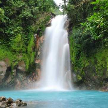 Stunning-Waterfall